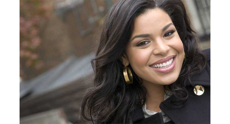 Jordin Sparks Hits The Beach With Baby Bump And Husband - Boomplay