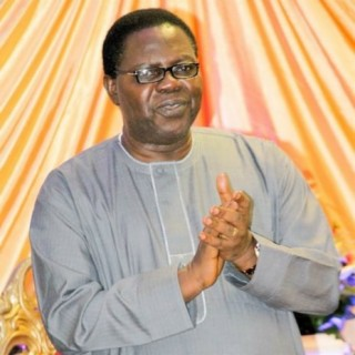 Chief Commander Ebenezer Obey - Boomplay