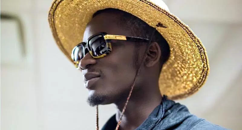 Mr Eazi Still Loved Up - Boomplay
